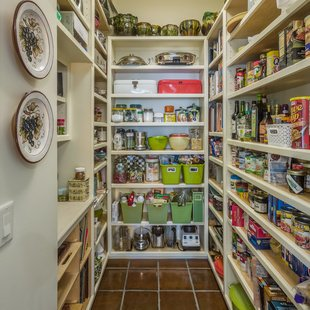 Kitchen & Pantry